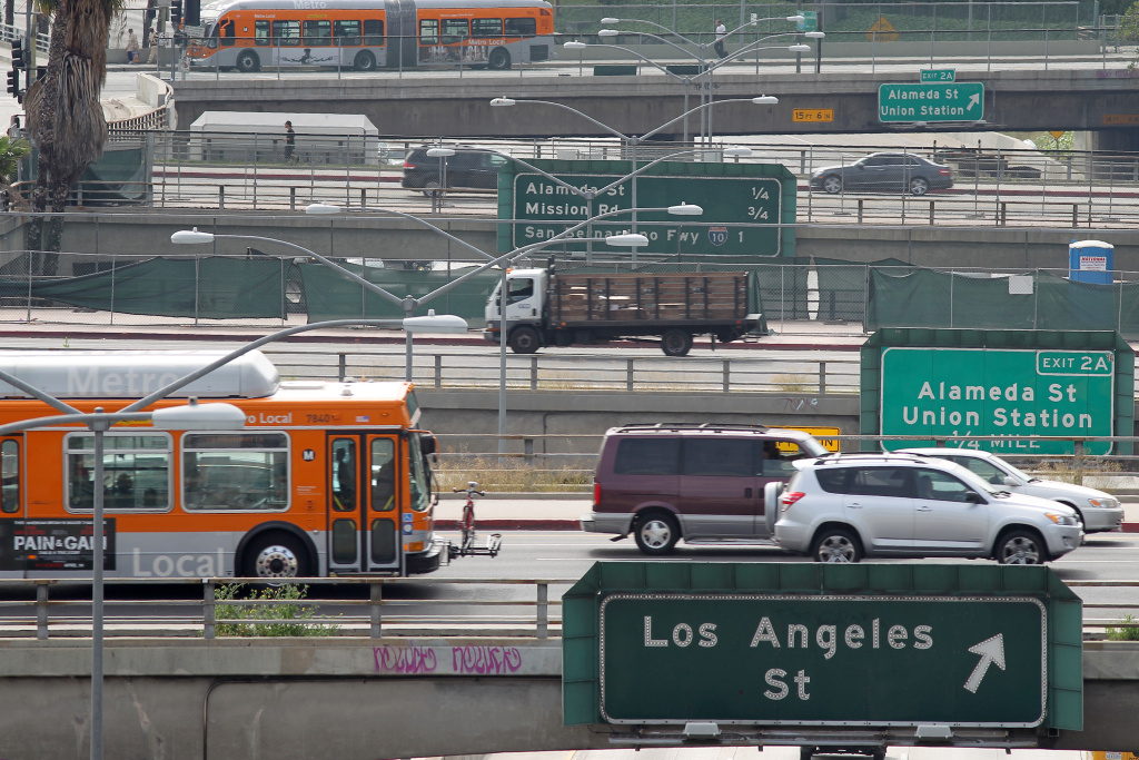 LOS ANGELES, CA - APRIL 25:  Surface street traffic corsses above the US 101 freeway on April 25, 2013 in Los Angeles, California. The nation's second largest city, Los Angeles, has again been ranked the worst in the nation for ozone pollution and fourth for particulates by the American Lung Association in it's annual air quality report card. Ozone is a component of smog that forms when sunlight reacts with hydrocarbon and nitrous oxide emissions. Particulates pollution includes substances like dust and soot.   (Photo by David McNew/Getty Images)