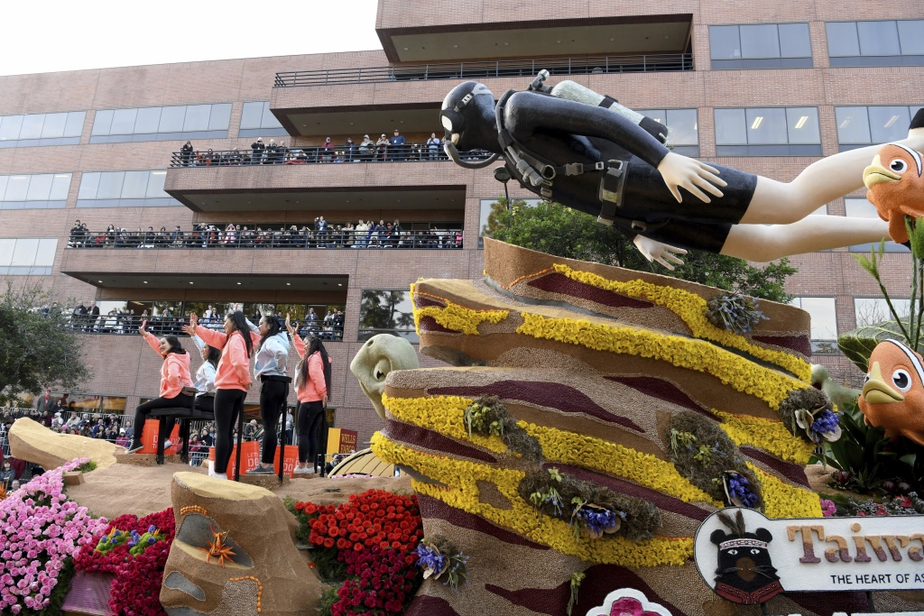 The China Airlines float makes its way along the parade route and won the International Award at the 129th Rose Parade in Pasadena, Calif., Monday, Jan. 1, 2018.