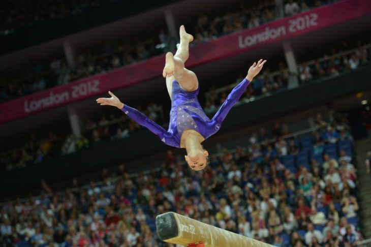 US gymnast Kyla Ross performs on the bea