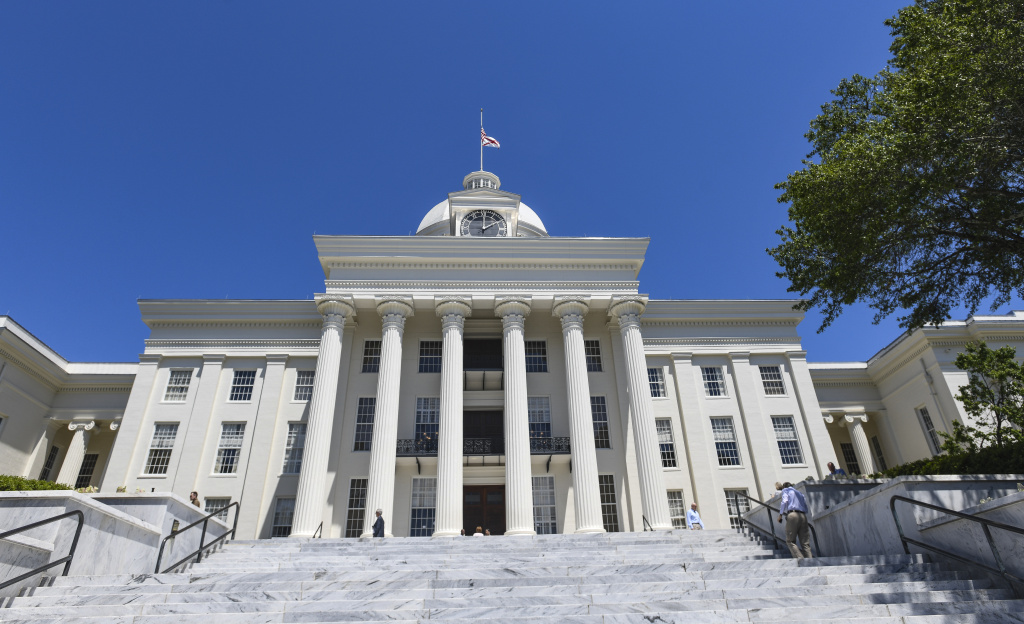 Alabama Lawmakers Vote To Ban Abortion Within State