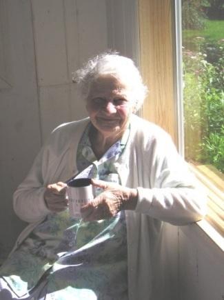 Sadie Kaplan, 1903-2009.