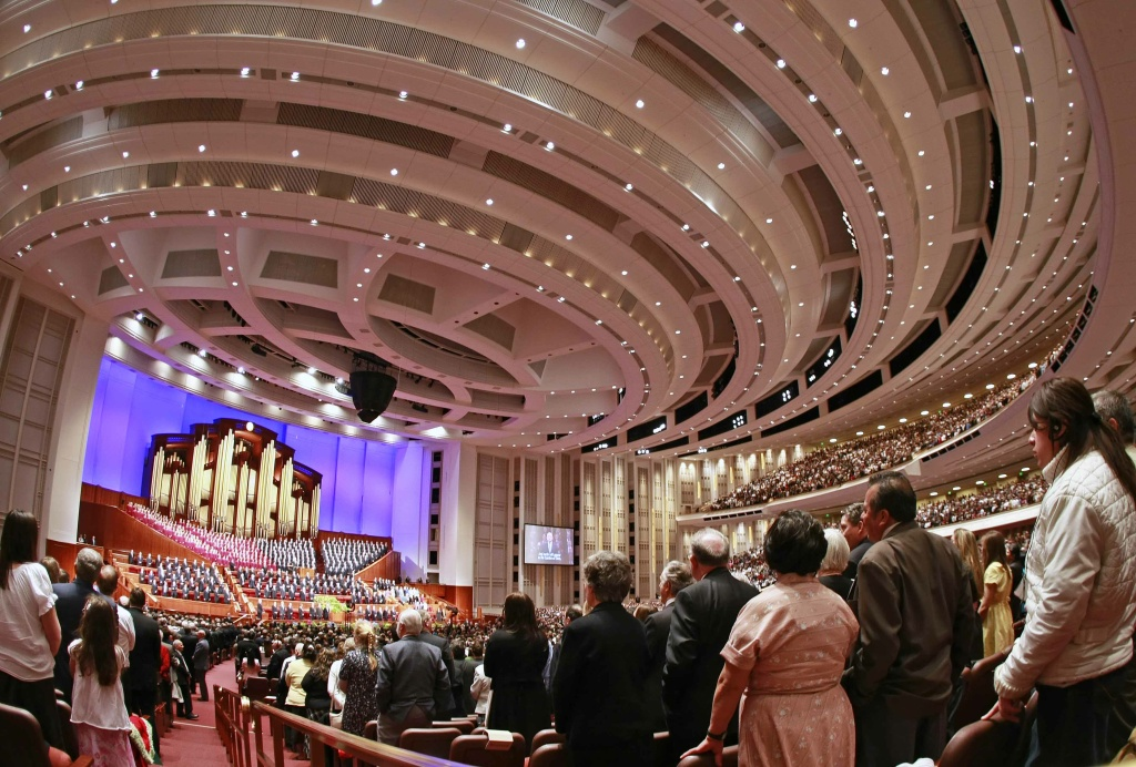 Around 20,000 faithful Mormon sing during the first session of the 179th annual general conference of the Church of Jesus Christ of Latter-Day Saints April 4, 2009 in Salt Lake City, Utah. More then a 100,000 mormon faithful will attend the conference over the weekend.
