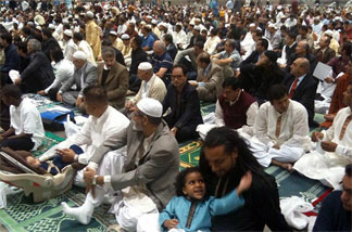 Hundreds of Muslims gathered for Eid Mubarak, getting set for prayers at the L.A. Convention Center marking the end of Ramadan.