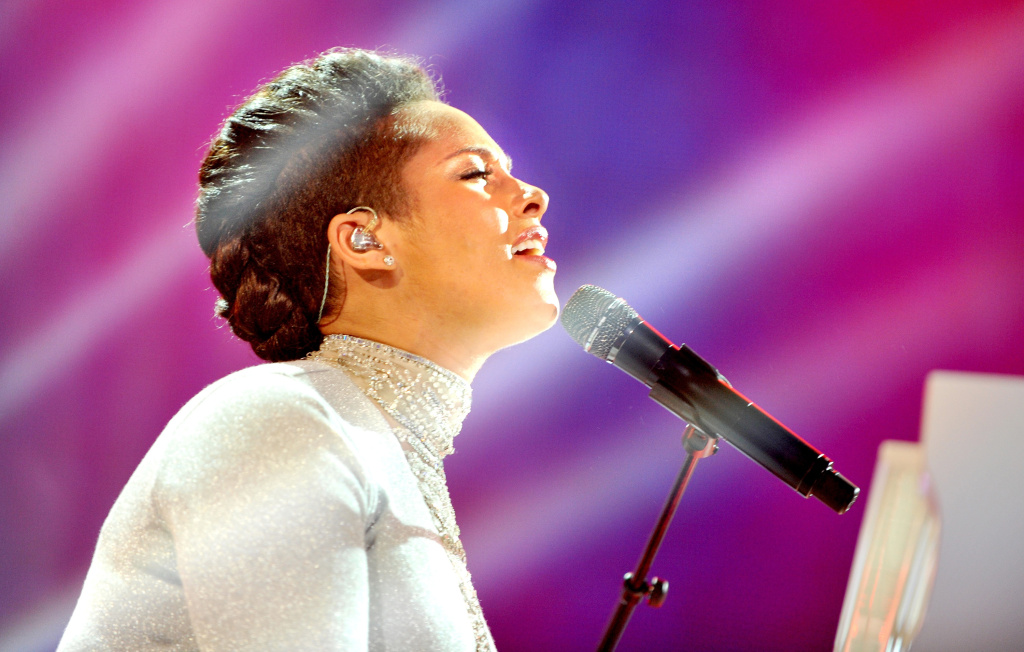 Alicia Keys performs during the outside broadcast of the MTV EMA's 2014 at  on November 9, 2014 in Glasgow, Scotland.