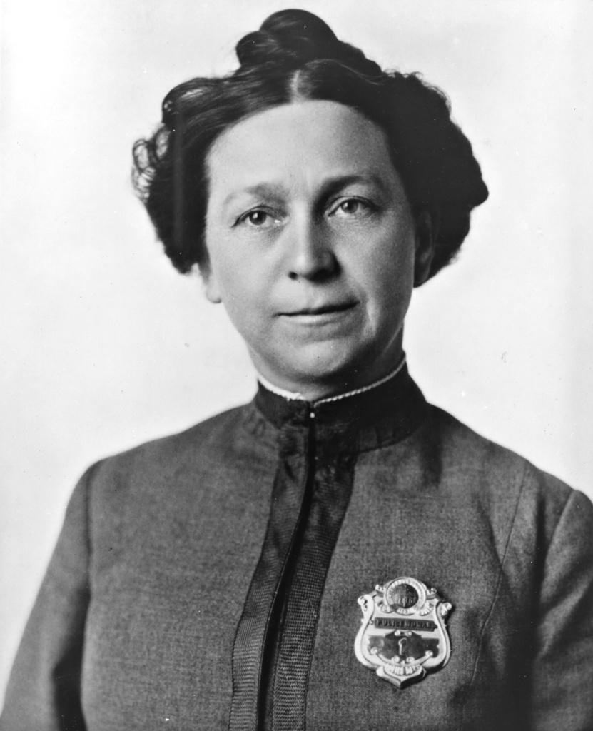 Alice Stebbins Wells in uniform