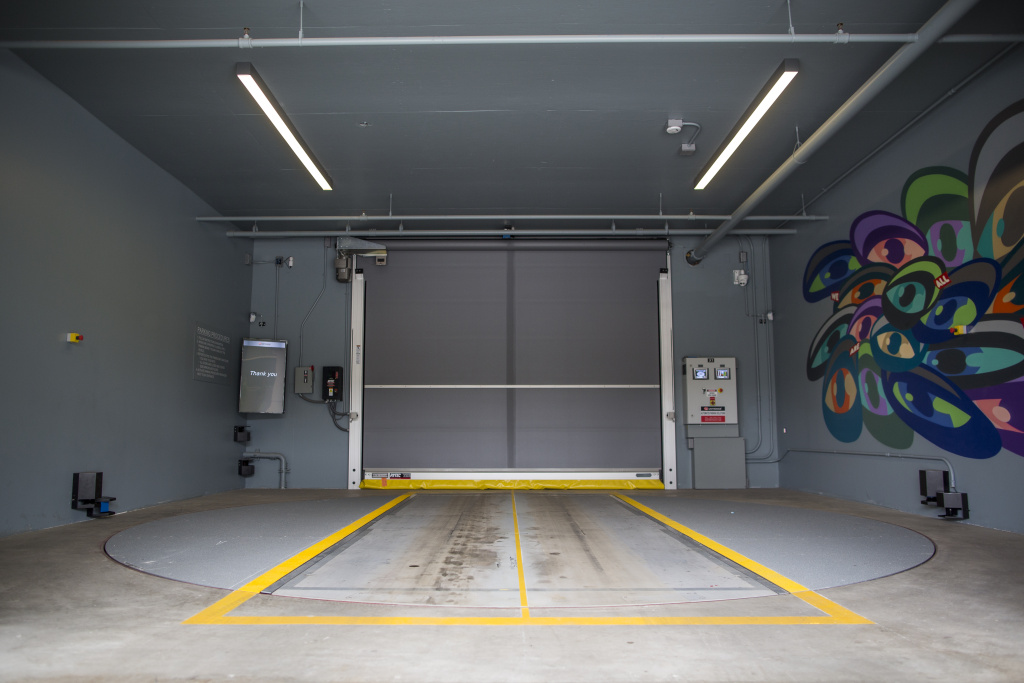 Fully-Automated Parking Garage Makes LA Debut