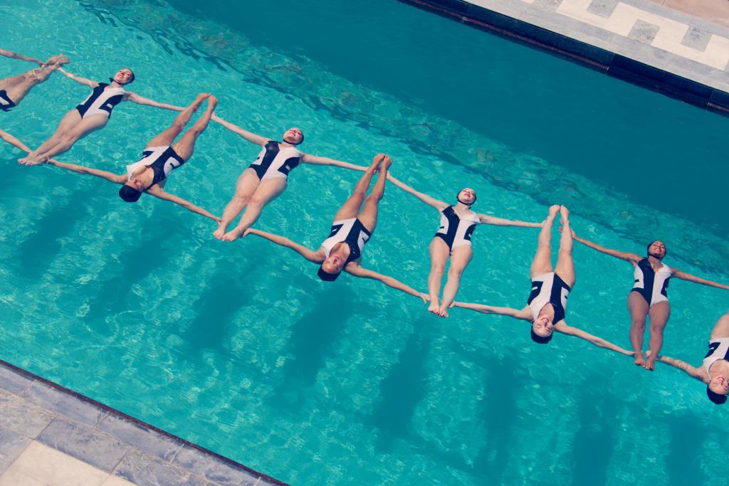 L.A. baseed aquatic dance troupe Aqualillies