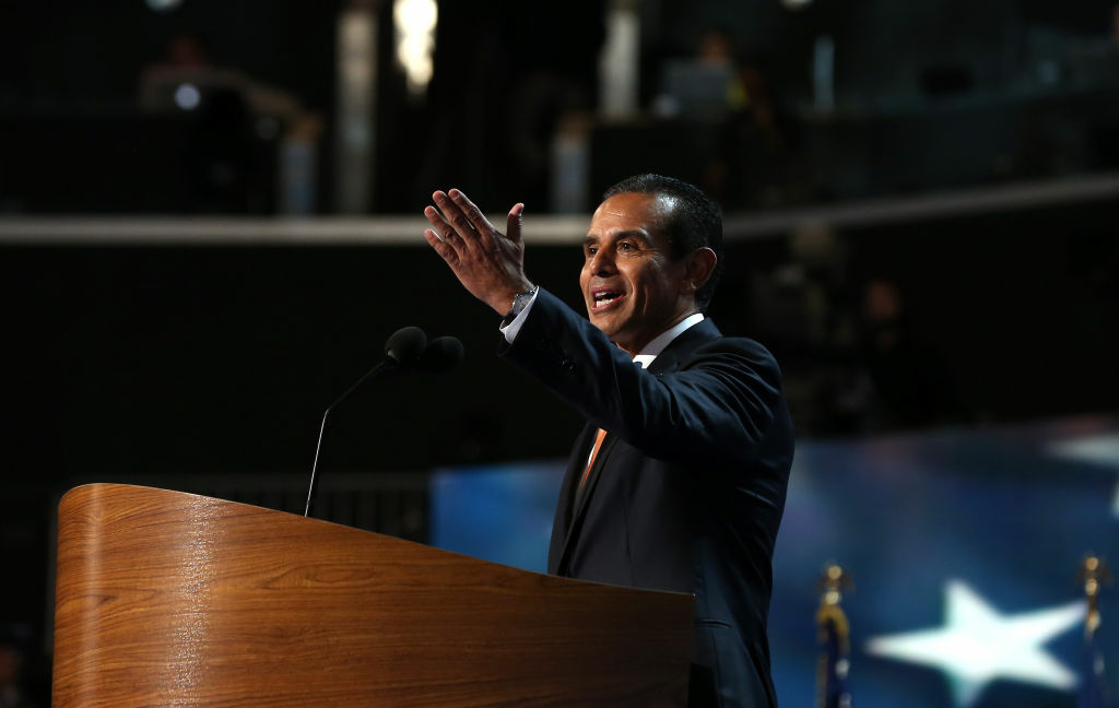 Mayor Antonio Villaraigosa endorsed Councilman Richard Alarcon for state Assembly. Alarcon is due back in court next week as he faces 17 felonies for allegedly living outside his city council district.
