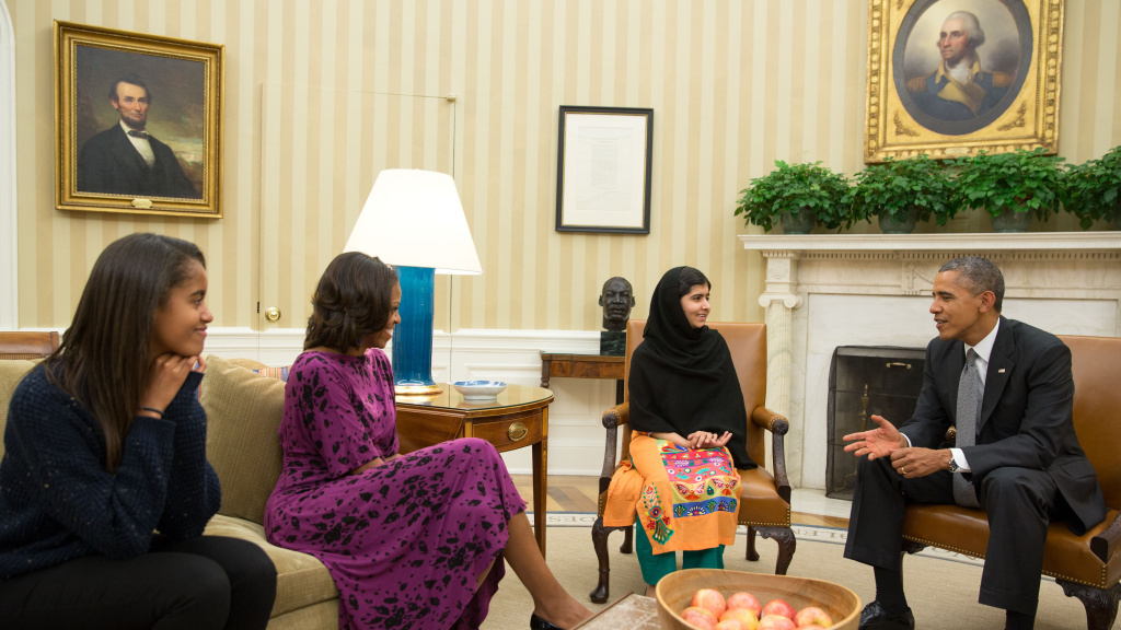 During her trip to Washington this week, Nobel Peace Prize nominee Malala Yousafzai met President Barack Obama, first lady Michelle Obama, and their daughter Malia Obama in the Oval Office.