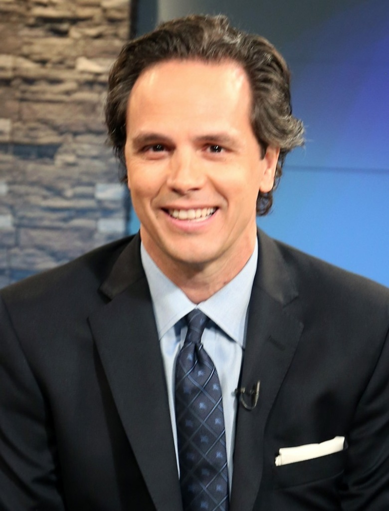 Republican Tom Del Beccaro signed a pledge not to support higher taxes. He also favors a strict interpretation of the Second Amendment's right to bear arms