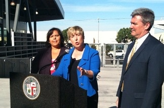 Los Angeles City Controller Wendy Greuel, center, announces that an audit of the Los Angeles Unified School District's construction hiring practices revealed conflict of interest hiring. With her are LAUSD School Board President Monica Garcia and general counsel David Holmquist.
