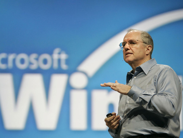 Microsoft chief research and strategy officer Craig Mundie speaks at a 2007 conference. Mundie says Microsoft is preparing for the arrival of new microprocessors, which will power souped-up computers and devices.