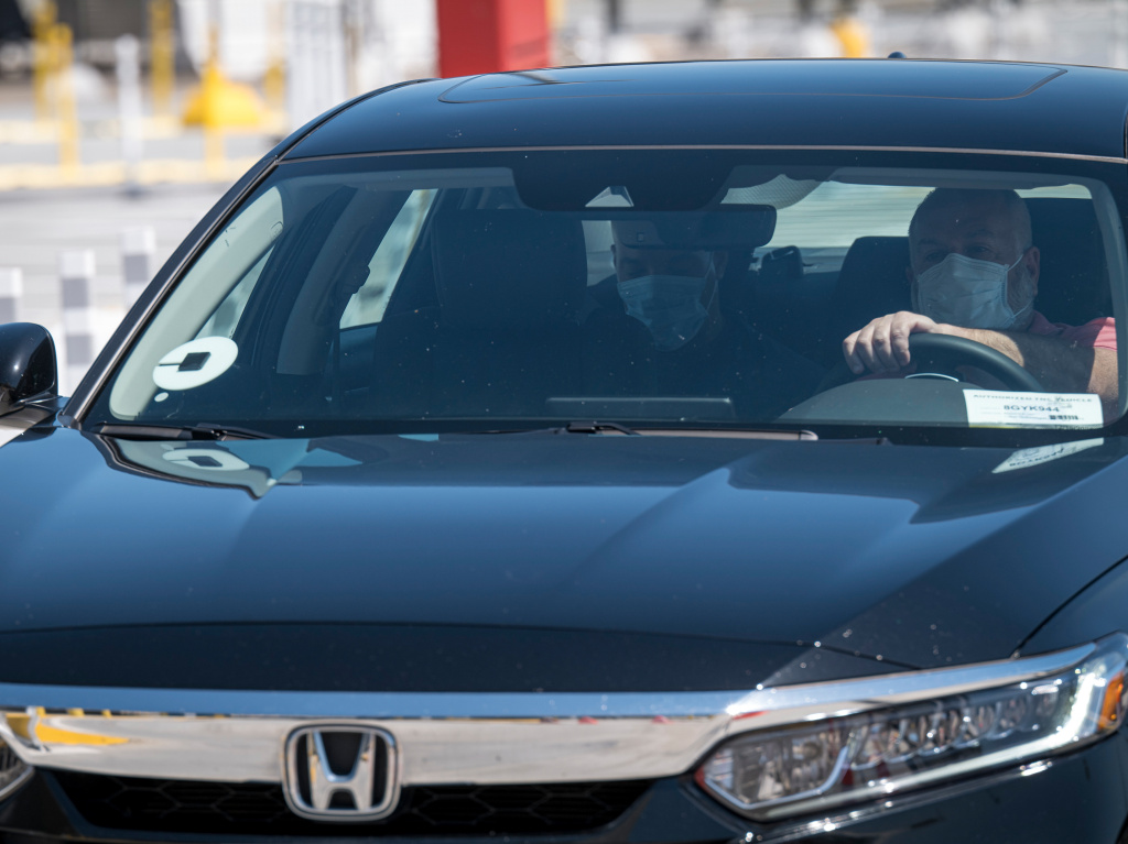 After months of shutdowns that have damaged the ride-hailing industry, Uber says it sees signs of revival.
