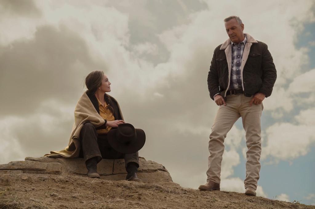 Kevin Costner and Diane Lane in Let Him Go (2020).