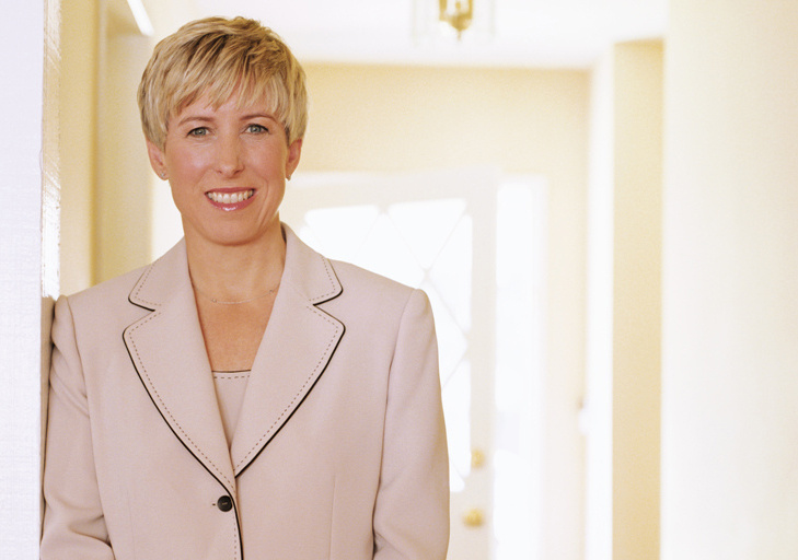 Controller Wendy Greuel has organized more than 100 women to advise her on women's issues related to the 2013 mayor's race.