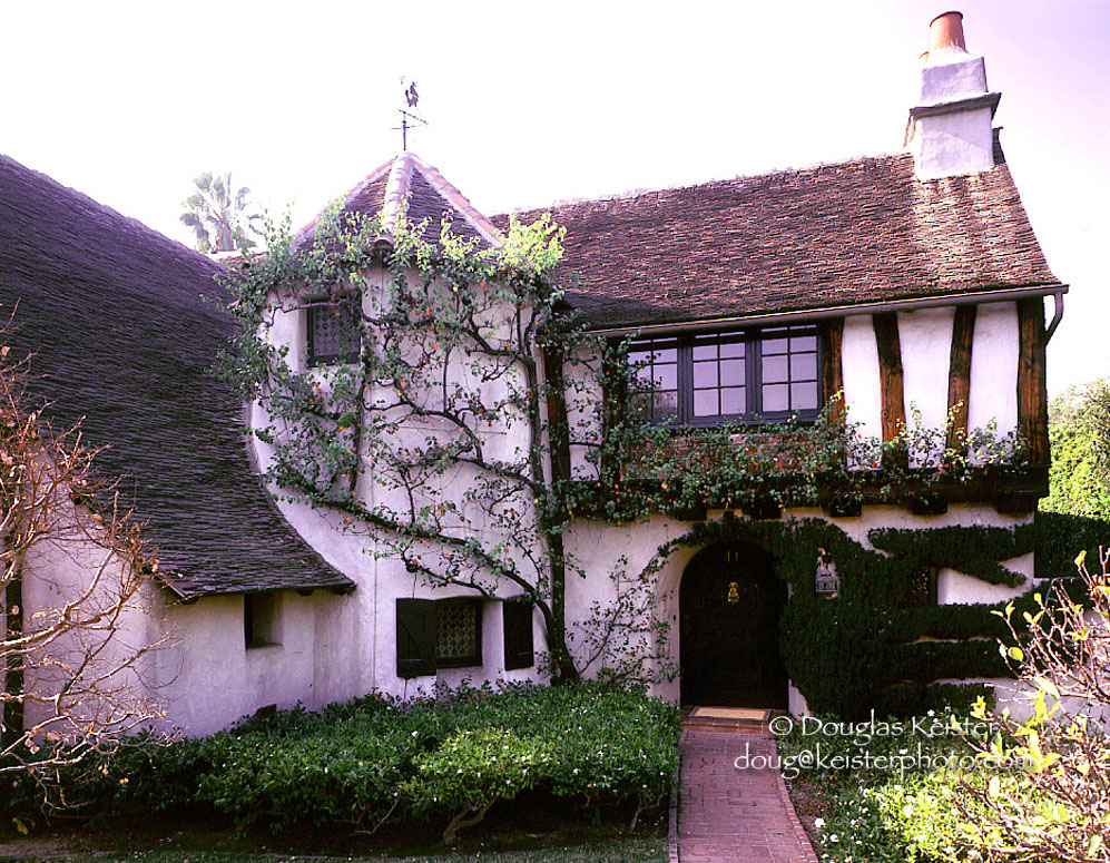 Take two slideshow storybook homes how hollywood made for Storybookhomes com