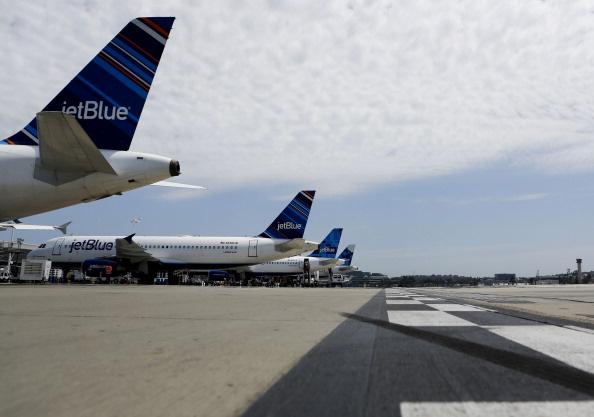 File: JetBlue Terminal At Long Beach Airport.