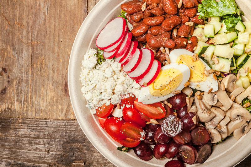Everytable's California Cobb Salad dish.