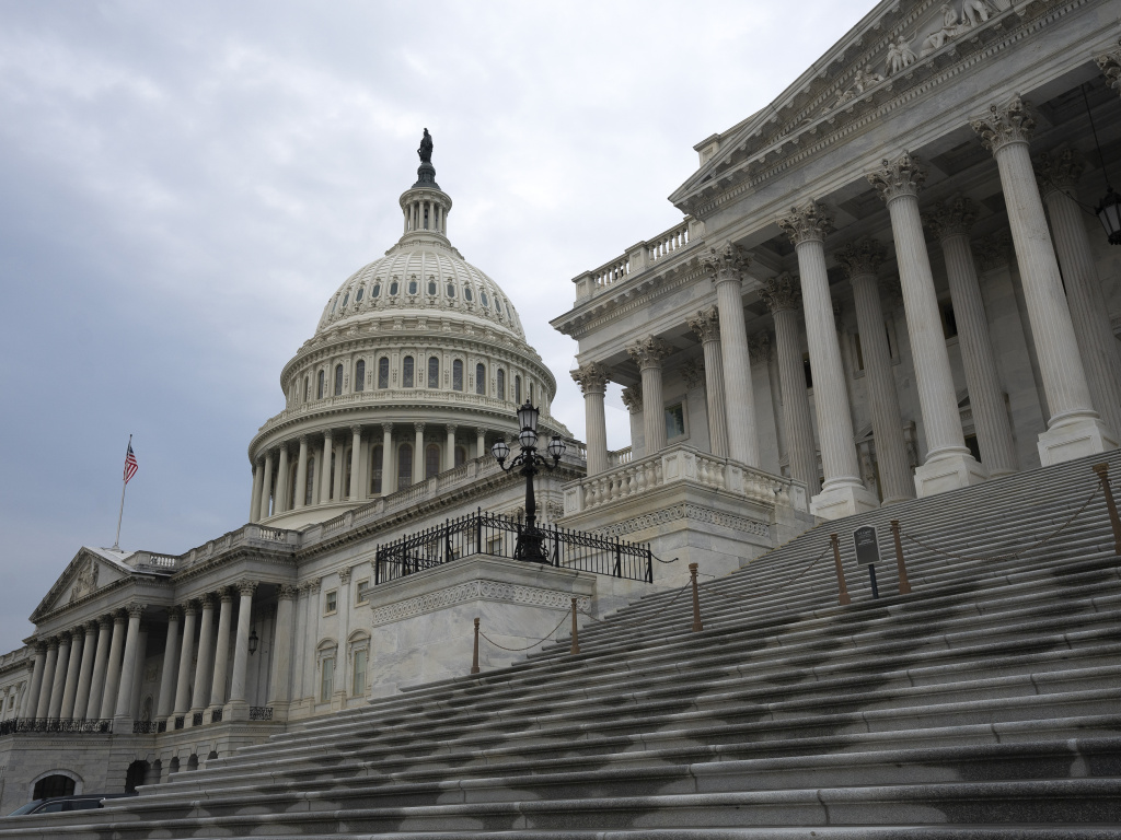 The U.S. Chamber of Commerce did not incorporate its climate commitments into its annual report card on how members of Congress voted, according to an analysis from an environmental think tank.
