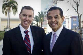 LAUSD Superintendent John Deasy and Mayor Antonio Villaraigosa.