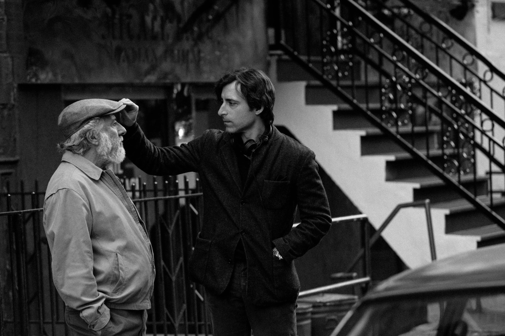 Dustin Hoffman (left) and director Noah Baumbach on the set of