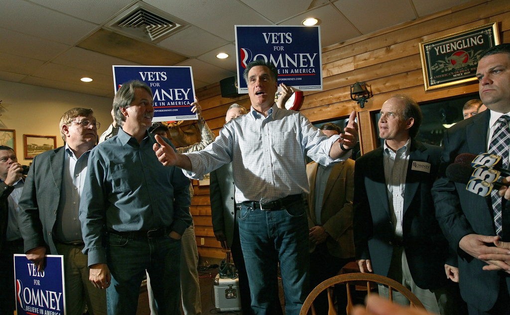 Republican presidential candidate Mitt Romney makes a campaign appearance at the Whistle Stop cafe March 12, 2012 in Mobile, Alabama.