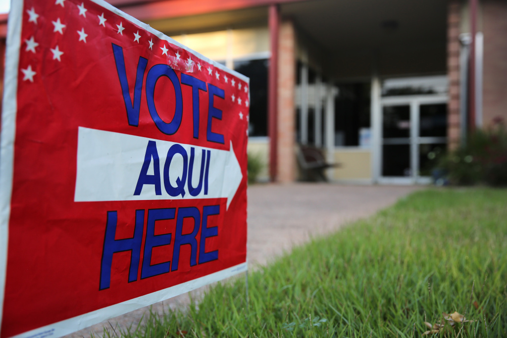 A new report by Los Angeles' top budget official recommends municipal elections be moved to coincide with state and federal races.