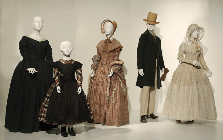 """'W.E.' by Costume Designer by Arianne Phillips,  2012 Academy Award® Nominee for Best Costume Design.  These costumes can be seen in the 20th Annual """"Art of Motion Picture Costume Design"""" exhibition in the FIDM Museum & Galleries at FIDM/Fashion Institute of Design & Merchandising, Los Angeles. (L to R) The costumes of James D'Arcy as Edward and Andrea Riseborough as Wallis Simpson. (Peter Wintersteller/ABImages)"""