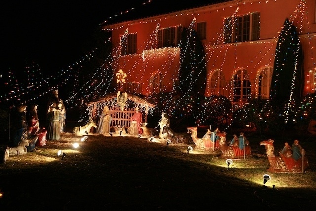 craig drive and pine street in orange county christmas