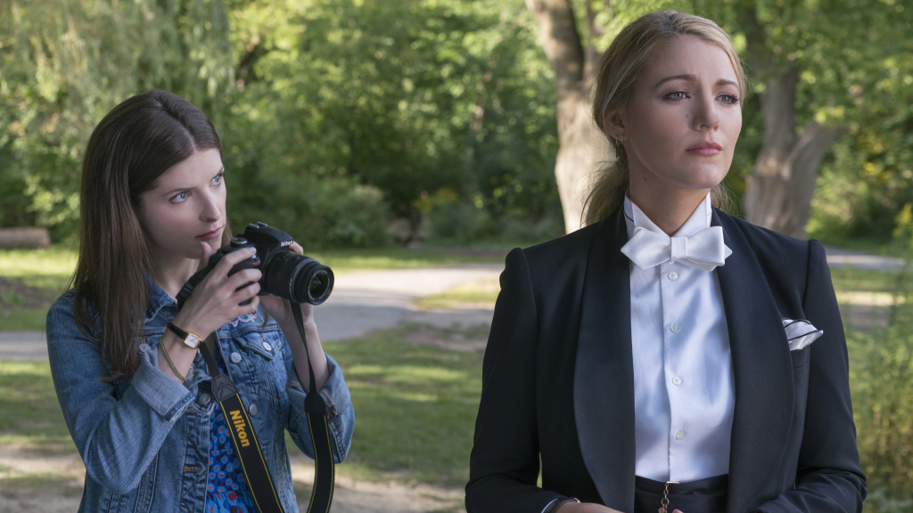 "Anna Kendrick as ""Stephanie"" and Blake Lively as ""Emily"" in A SIMPLE FAVOR."