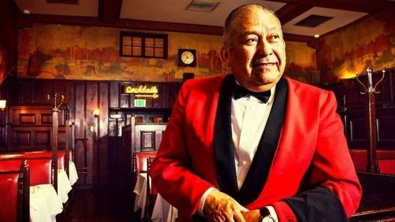 Sergio Gonzalez, a waiter at Hollywood's legendary Musso & Frank Grill, was a favorite among the restaurant's many famous patrons