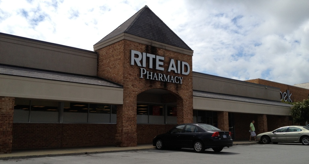 Federal authorities say the Rite Aid pharmacy chain has paid nearly $3 million to settle allegations that it improperly used gift cards to lure new business.