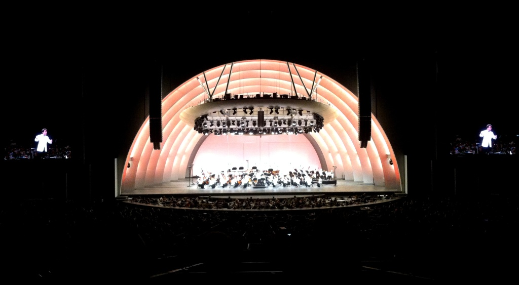 The Hollywood Bowl, still glowing from Simon Trpčeski's rendition of Prokofiev's 3d piano concerto.