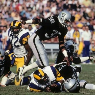 Los Angeles Rams v Los Angeles Raiders