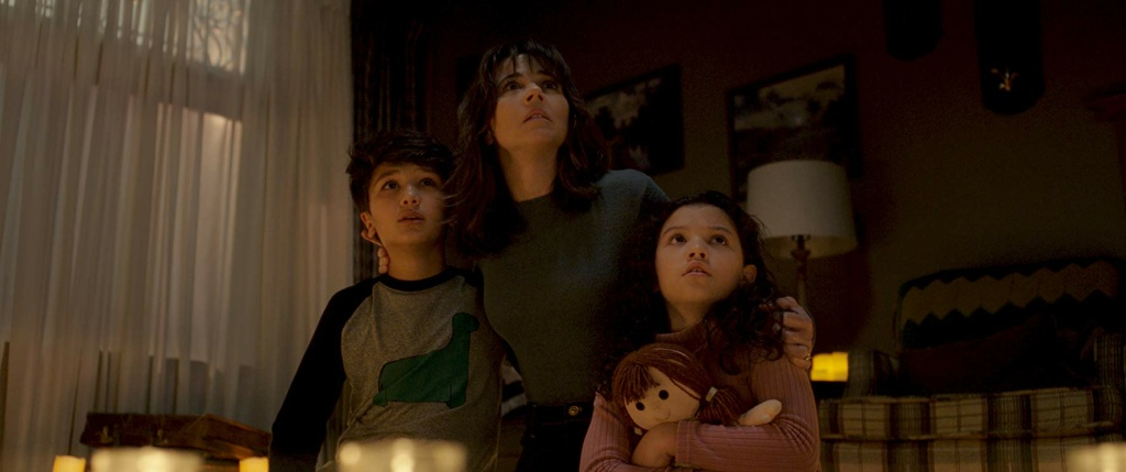 Linda Cardellini, Jaynee-Lynne Kinchen, and Roman Christou in The Curse of La Llorona (2019)