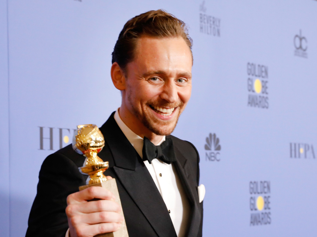 Actor Tom Hiddleston caused a stir on Twitter when he spoke after winning a best actor Golden Globe for his TV series