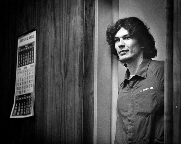 Richard Ramirez enters the courtroom on September 29, 1989.