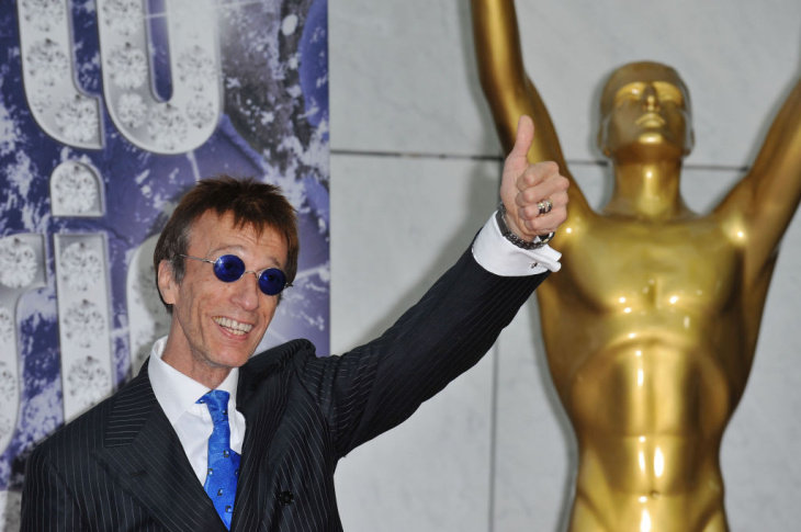 Robin Gibb arrives at the 50th Ivor Novello Awards at Grosvenor House on May 26, 2005 in London.