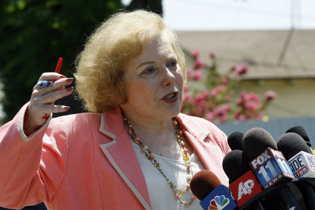 Linda Deutsch, the designated court pool reporter, comments on the visit of panel of jurors to the home of music producer Phil Spector to view the crime scene August 9, 2007 in Alhambra, California. Spector, 67, is accused of fatally shooting 40-year-old Lana Clarkson in February 2003.