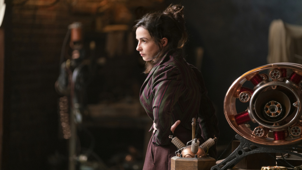 Amalia True (Laura Donnelly) leads a rag-tag team of women imbued with mysterious powers in <em>The Nevers</em>.