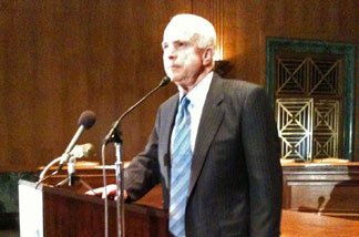 Arizona Senator John McCain speaks to L.A. Chamber of Commerce members