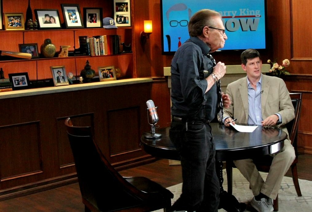 Broadcasting icon Larry King and acolyte John Rabe on the set of Ora.TV's