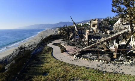 """The remains of a beach side luxury home that was destroyed by the """"Woolsey Fire"""" along the Pacific Coast Highway community of Point Dume in Malibu, California."""