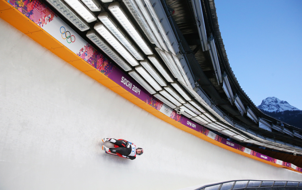 America's Erin Hamlin broke a 50-year drought Tuesday, winning the first singles luge medal for the U.S. at the Sochi 2014 Winter Olympics.