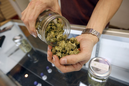 Los Angeles City Council Votes To Ban Medical Marijuana Dispensaries