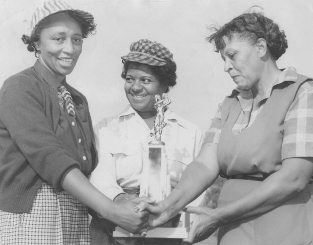 The winners of the annual competition at the Wake-Robin golf club, an African-American womens golf club in Washington DC, Washington DC, October 31, 1953. (Photo by Afro American Newspapers/Gado/Getty Images)