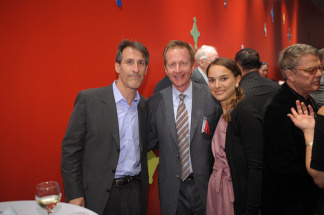 Sony CEO Michael Lynton, Chairman of CalArts Board of Trustees Austin Beutner, and actress Natalie Portman attend the REDCAT 5-Year Anniversary Gala on March 14, 2009 in Los Angeles, California.