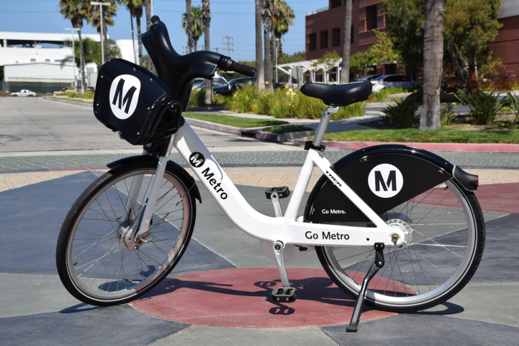 Early model of the L.A. Metro bike share docking station.