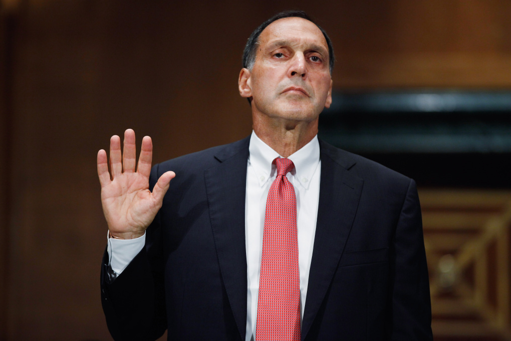 WASHINGTON - SEPTEMBER 01:  Lehman Brothers former Chairman and CEO Richard Fuld is sworn in before testifying to the Financial Crisis Inquiry Commission about the roots and causes of the 2008 financial and banking meltdown in U.S. and worldwide markets on Capitol Hill September 1, 2010 in Washington, DC. The commission begins two days of questioning about how two specific financial companies, Wacovia and Lehman Brothers, failed and why some institutions were considered