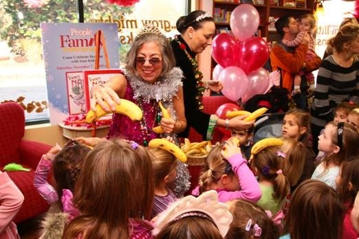 Jane O'Conner, author of the Fancy Nancy books, entertains her fans.
